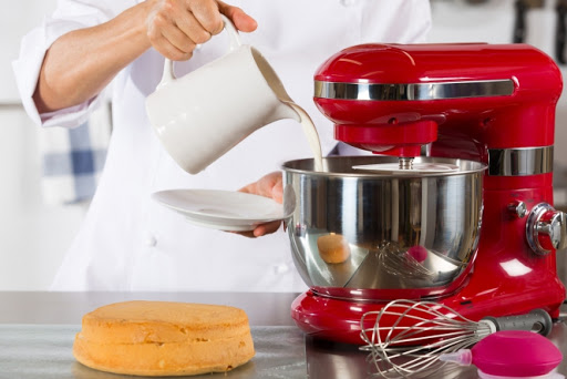Choisir un robot pâtissier : les critères à prendre en compte
