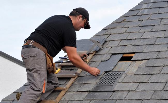 Comment entretenir une toiture en ardoise fibro ciment ?