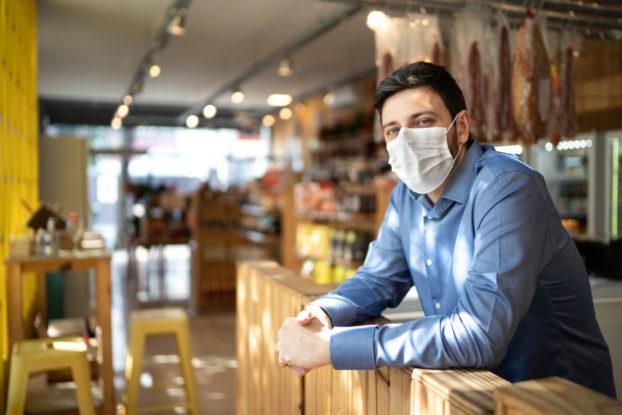 Pourquoi porter un masque est la chose la plus importante que nous puissions faire pour arrêter la propagation du COVID-19
