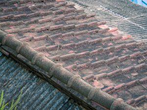 nettoyer la toiture de manière efficace
